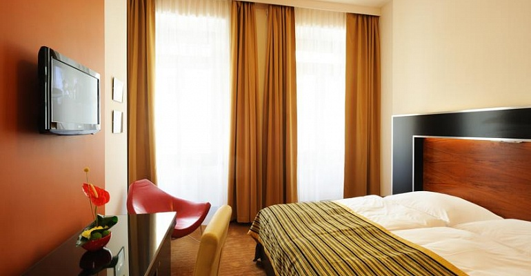 GRAND MAJESTIC PLAZA 4*